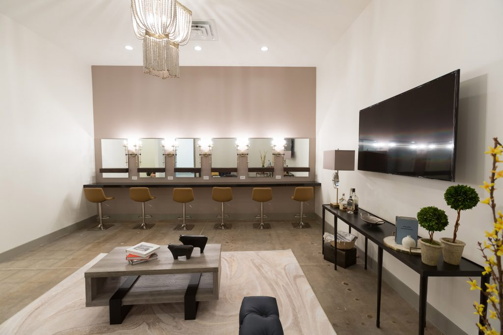 Star Suite vanity area